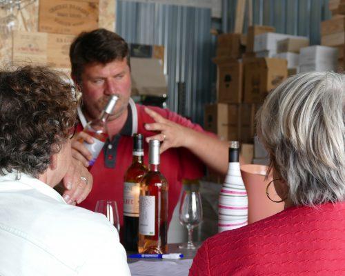 Consulter tout les événements dont Sébastien proposant différents vins lors d'une animation de dégustation à l'Antre Pote'S